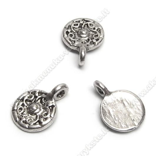 Smulkus tibeto sidabro pakabutis diskelio formos su įspaustu gėlytės žiedu 12x9 mm