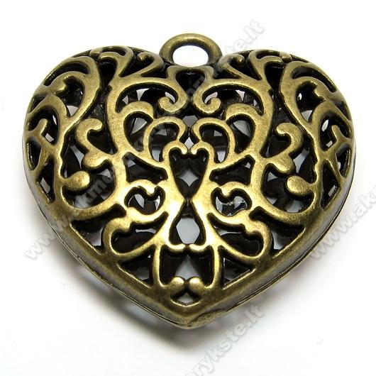Stambus ažūrinių raštų širdies formos pakabutis žalvarinis