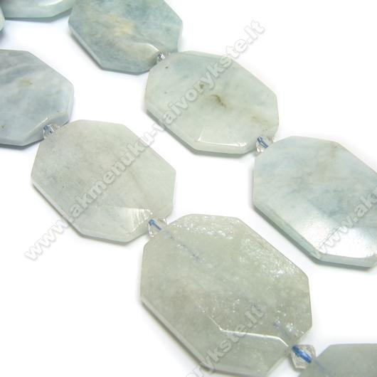 Natūralaus akvamarino plokščio daugiakampio formos akmuo