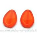 Oranžinis stiklo karoliukas matiniais kraštais lašelio formos 18x12 mm