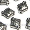 Tibeto sidabro intarpas rombo formos su ornamentu