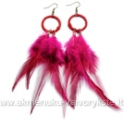 Ciklameno spalvos plunksnų auskarai