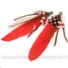 Plunksnų pakabukas su karoliukais raudonos spalvos 9 cm