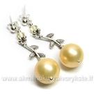 Auskarai su gelsvais kriauklės perlais